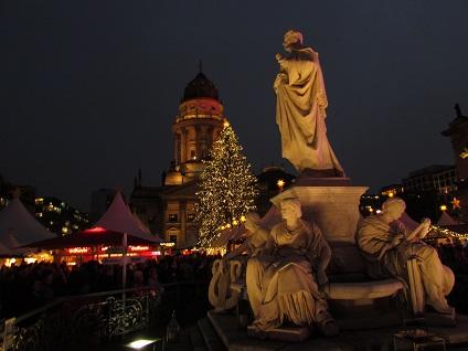 Weihnachtsmarkt-gendarmenmarkt-berlin-1