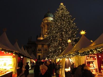 Weihnachtsmarkt-gendarmenmarkt-berlin-3