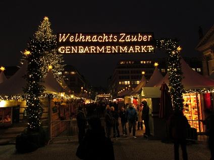 Weihnachtsmarkt-gendarmenmarkt-berlin-5