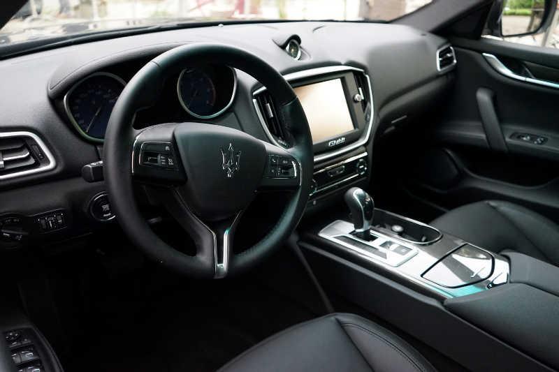 sixt luxury cars (48) Maserati