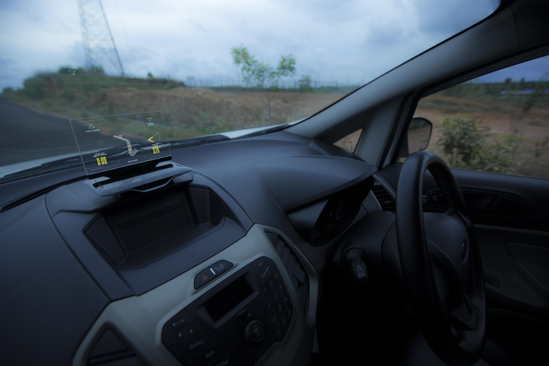 exploride-front-strasse-smartcar