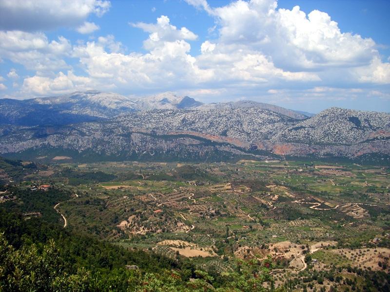 Sardinien-Berge-Landschaft-js
