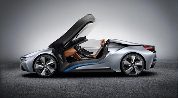 Die Flügeltüren des BMW i8 Spyder sind ein Highlight