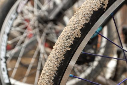 Fahrradreifen voller Sand