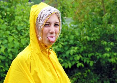 Dünner Regenmäntel machen sich auf dem Fahrrad nützlich