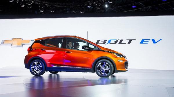 Der 2017 Chevy Bolt EV gilt schon jetzt als Favorit im E-Wagensegment