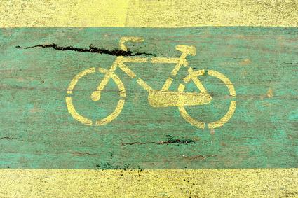 Radschnellweg ist wunderbar frei von Schäden und unvorhergesehenen Hindernissen, im Gegensatz zu konventionellen Strecken