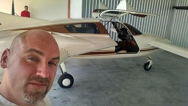 Derek Kesek Hempearth plane