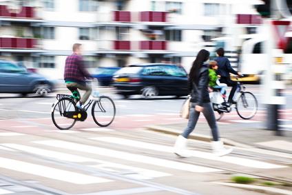 Fußgänger und Straßenverkehr