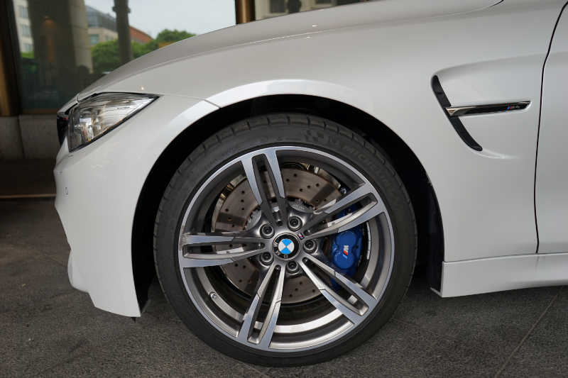 Sixt Luxury Cars - BMW M4