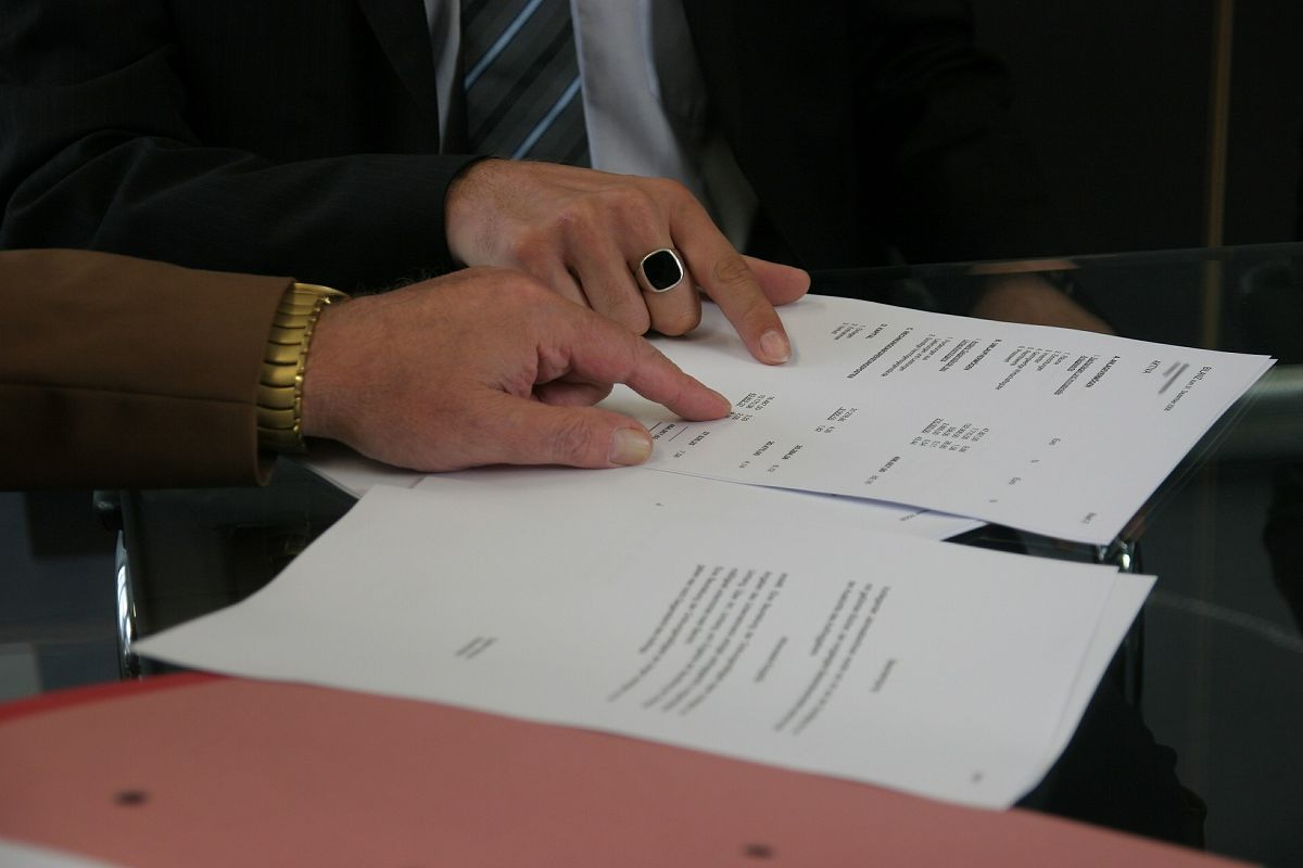 Vertrag für Autokauf im Ausland